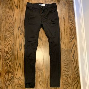 LIKE NEW! Old Navy Black Skinny Jeans